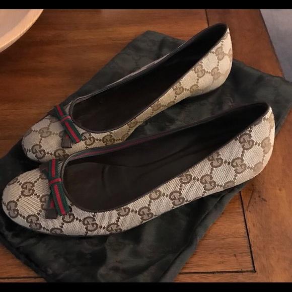in vendita a77d1 2a276 Gucci Logo Ballerina Flats